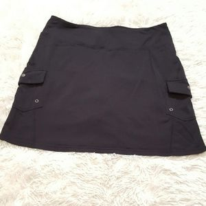 Athleta Black Skort/Skirt  Size L Tummy Control.
